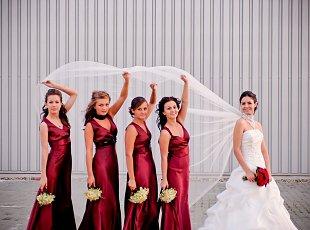 Culoarea rochiilor domnisoarelor