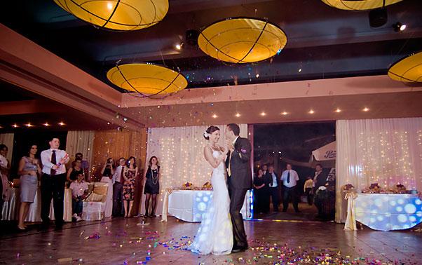 Dansul mirilor Mihaela si Sergiu Mamaia
