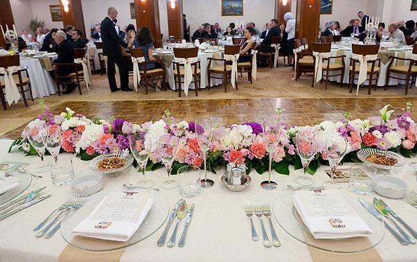 Aranjament flori masa prezidiu nunta
